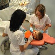 źródło: www.all-dent.eu/uslugi/stomatologia-dziecieca.php