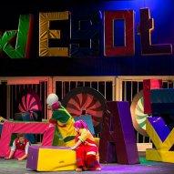 źródło: www.facebook.com/Wroclawski.Teatr.Lalek/photos/a.114158225318978.14743.104964552905012/943061292428663/?type=3&theater